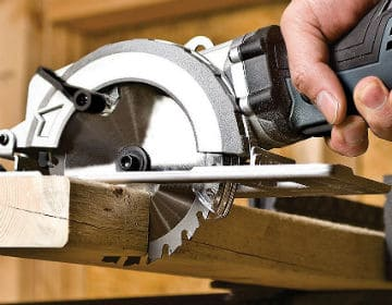 cutting with Compact Circular Saw